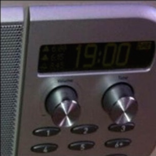 image of a clock radio
